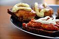 Flickr - cyclonebill - Rugbrød med fiskefrikadeller og makrel i tomat.jpg
