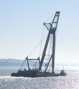Floating crane on the River Mersey (2).png