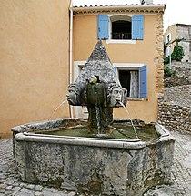 Fontaine à Saint-Roman-de-Malegarde.JPG
