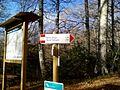 Fontana delle Brecce segnaletica verticale CAI.jpg