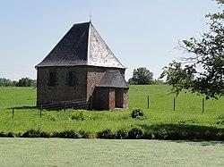 Fontenelle (Aisne, Fr) chapelle de l'étang.jpg