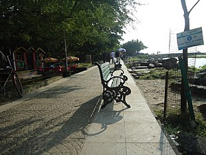 Fort Kochi Beach - Fort Kochi beach walkway