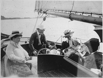 Anna Roosevelt Halsted - Franklin and Eleanor Roosevelt with Anna at Campobello (1907)