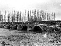 Fundación Joaquín Díaz - Puente sobre el río Sequillo - San Pedro de Latarce (Valladolid).jpg