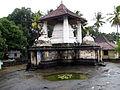 Gadaladeniya Temple, Cruciform Shrine 0527.jpg