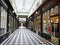 Galerie VERO-DODAT, Paris (interior).jpg