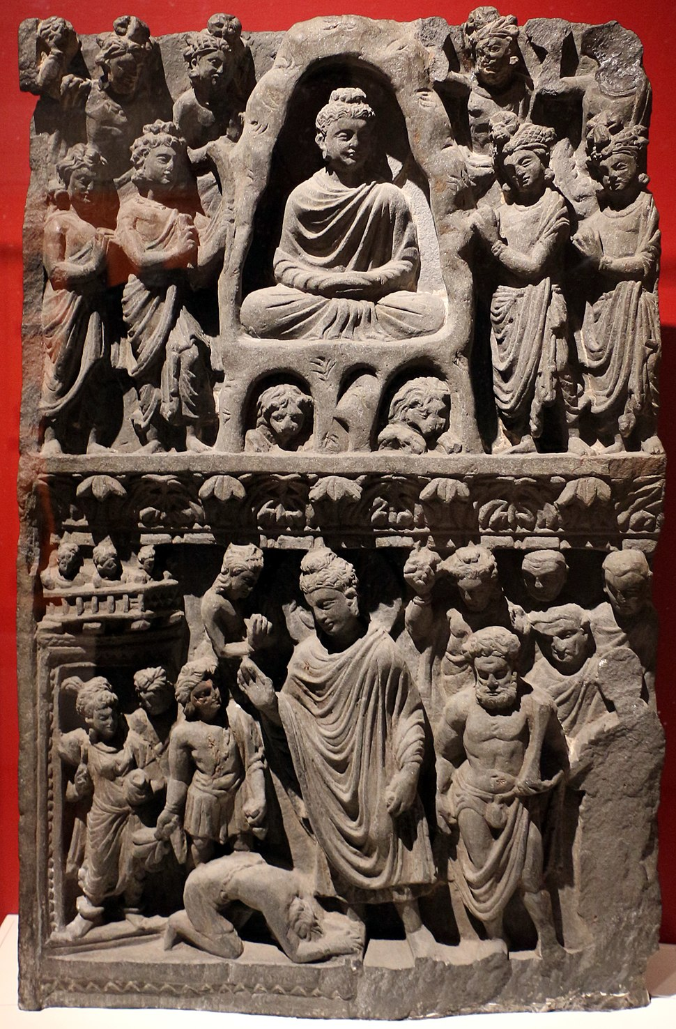 Gandhara, rilievo col buddha shakyamuni che medita nella grotta indrashala e il buddha dipankara, II-III secolo