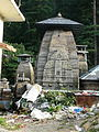 Garbage in front of the Jageshwar temples (6133841452).jpg