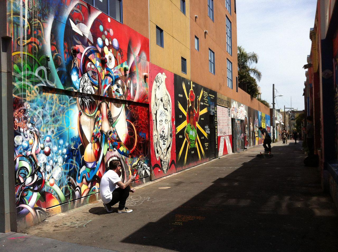 File:Graffiti alley in San francisco 2013-04-13 13-18.jpg ...