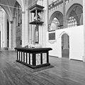 """Grafmonument in houten vloer """"ingelaten"""" - Arnhem - 20024802 - RCE.jpg"""