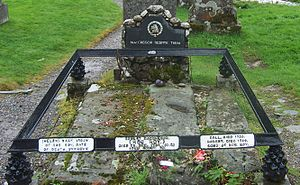 Rob Roy MacGregor - Grave site of Rob Roy MacGregor, marking his wife (Helen) Mary, and sons Coll and Robert (Balquhidder).
