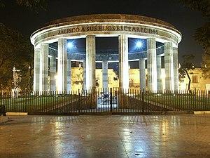 """Rotonda de los Jaliscienses Ilustres - Night shot of the front of the """"Rotonda de los Jaliscienses Ilustres"""" in Guadalajara, Jalisco, México."""