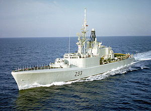 HMCS Fraser (DDH 233) underway in 1983