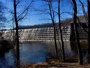 Farrington Lake - Dam of Farrington Lake (North Brunswick)