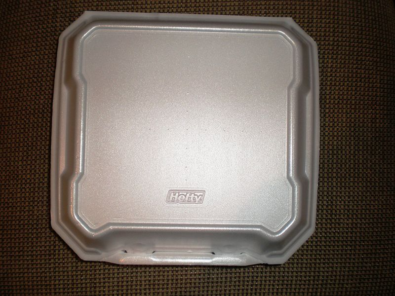 File:Hefty square styrofoam food container closed.JPG DescriptionA Hefty square styrofoam food container. See Image:Hefty square styrofoam food container open.JPG.