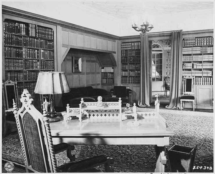 File:Here is the office, desk, and library space which President Harry S. Truman will use in the American Quarters of... - NARA - 198975.jpg