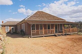Kentucky Camp, Arizona - Image: Hotel & Office Building Kentucky Camp Arizona 2014
