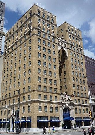 Dallas Hilton - Image: Hotel Indigo Downtown Dallas 01
