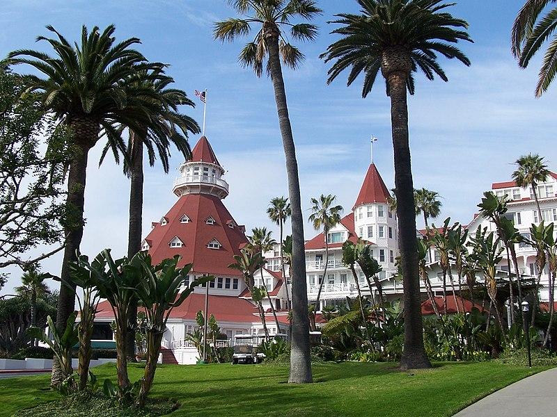 File:Hotel del Coronado Front.jpg