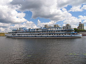 I.A. Krylov on Khimki Reservoir 23-jul-2012 06.JPG