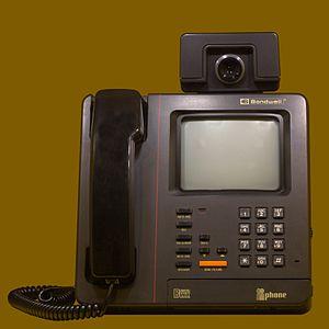 Bondwell - The iiPhone, a videophone by Bondwell