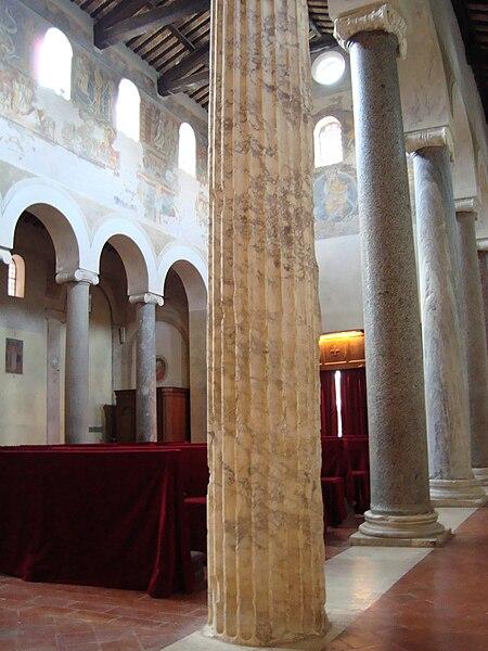 File:Intérieur de San Giovanni a Porta Latina.JPG