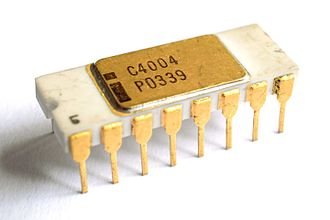 Intel 4004 - The ceramic C4004 variant without grey traces.