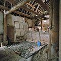 Interieur, overzicht bedrijfsgedeelte bij de schuur, paardenstal - Glimmen - 20380282 - RCE.jpg