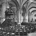 Interieur, overzicht preekstoel en doopvont in de zuidelijke zijbeuk - Oldenzaal - 20351424 - RCE.jpg