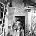 Interieur zolder schoorsteen - Terziet - 20323834 - RCE.jpg