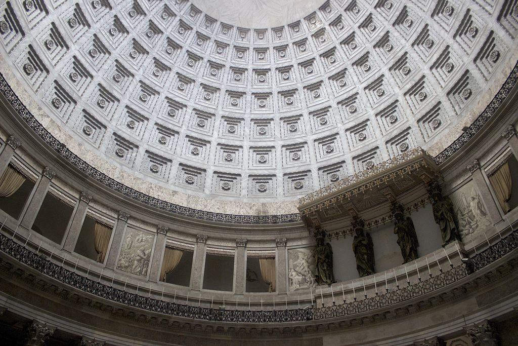 Coupole de la Basilique San Francesco di Paola à Naples - Photo de Miguel Hermoso Cuesta