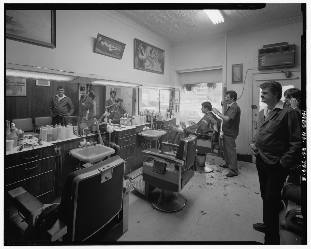 Barber shop interior images joy studio design gallery best design - Barber shop interior ...
