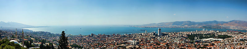 Archivo:Izmir panorama from Kadifekale.jpg