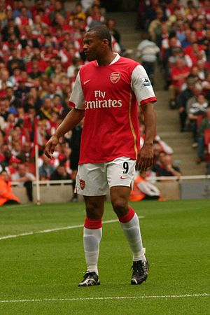 Júlio Baptista - Baptista playing for Arsenal in 2007