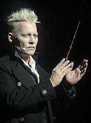 Grindelwald interprété par Johnny Depp dans la saga Les Animaux fantastiques.