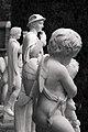 Jardines Monforte Hermes entre Estatuas.jpg