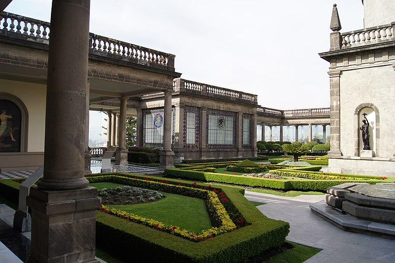 File jardines del castillo de chapultepec for Capillas de velacion jardin de los pinos