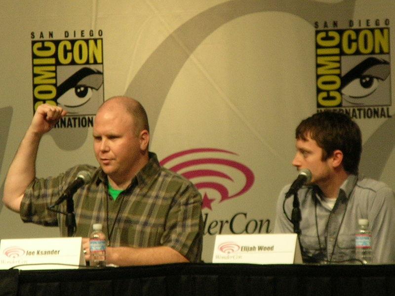 File:Joe Ksander & Elijah Wood at WonderCon 2009 1.JPG