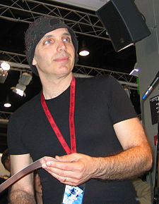 Joe satriani without sunglasses 2004.jpg