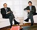 José María Aznar recibe al coordinador general de Izquierda Unida.jpg