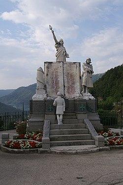 Jougne - Monument aux morts - vue d'ensemble.jpg
