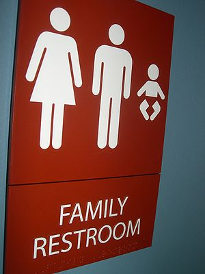 English: Family Bathroom sign