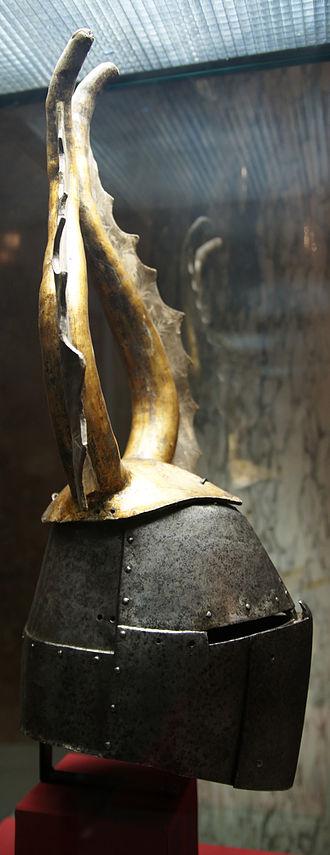 Great helm - Image: KHM Wien B 74 Great helm of Albert von Prankh, 14th century, side