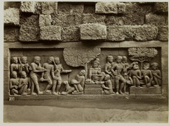 KITLV 28065 - Kassian Céphas - Relief of the hidden base of Borobudur - 1890-1891.tif