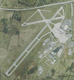 KLEX Blue Grass Airport.jpg