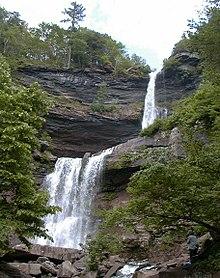 Kaaterskill Falls, em Spruce Creek, Catskill Mountains/NY. Foto: Wikipedia