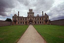 Kirbyhall northamptonshire photograph by robert kilpin.jpg