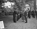 Koningin Juliana bezoekt Kasteel Nyenrode, Bestanddeelnr 907-7878.jpg