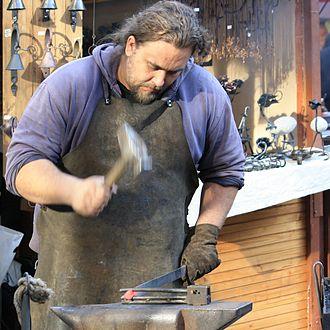 Blacksmith - Image: Kovář při práci (Velikonoční trhy na Václavském náměstí) 055