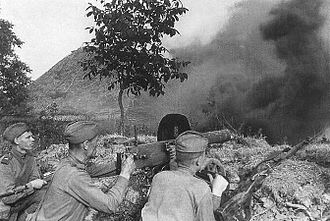 280th Rifle Division - A Soviet machine gun crew during the Battle of Kursk.